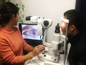 Eunam scuola naturopatia Roma - lezione di iridologia Lucio Birello